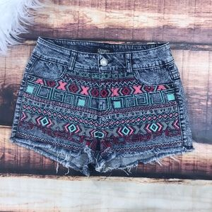 Celebrity Pink Jeans denim embroidered shorts sz 5